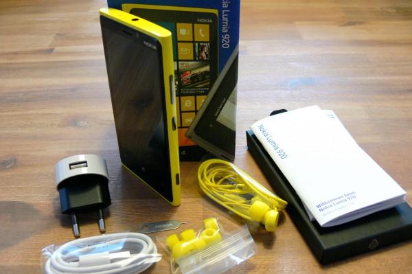 Nokia Lumia 920 - Unboxing - smartcamnews.eu