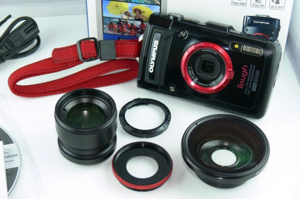 Unboxing - Olympus TG-2 - Outdoor Kamera - Set