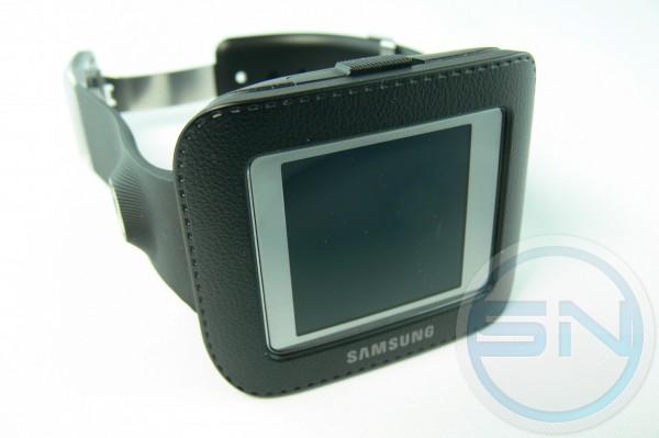 Samsung Galaxy Gear - mit NFC Ladeschale als Armbanduhr - smartcamnews.eu
