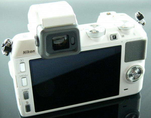 Nikon 1 V2 - Display - smartcamnews.eu