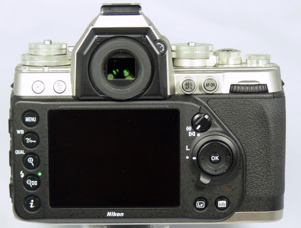 Rückseite - Nikon Df - smartcamnews.eu