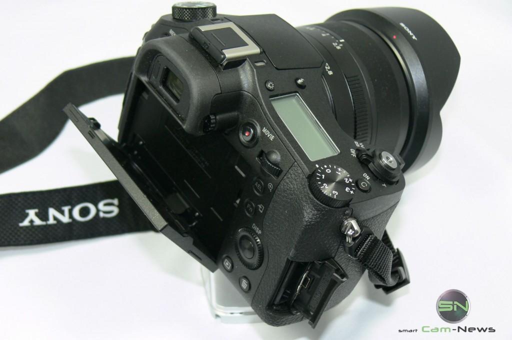 Rückseite - Klappdisplay - Sony RX10 - smartcamnews.eu