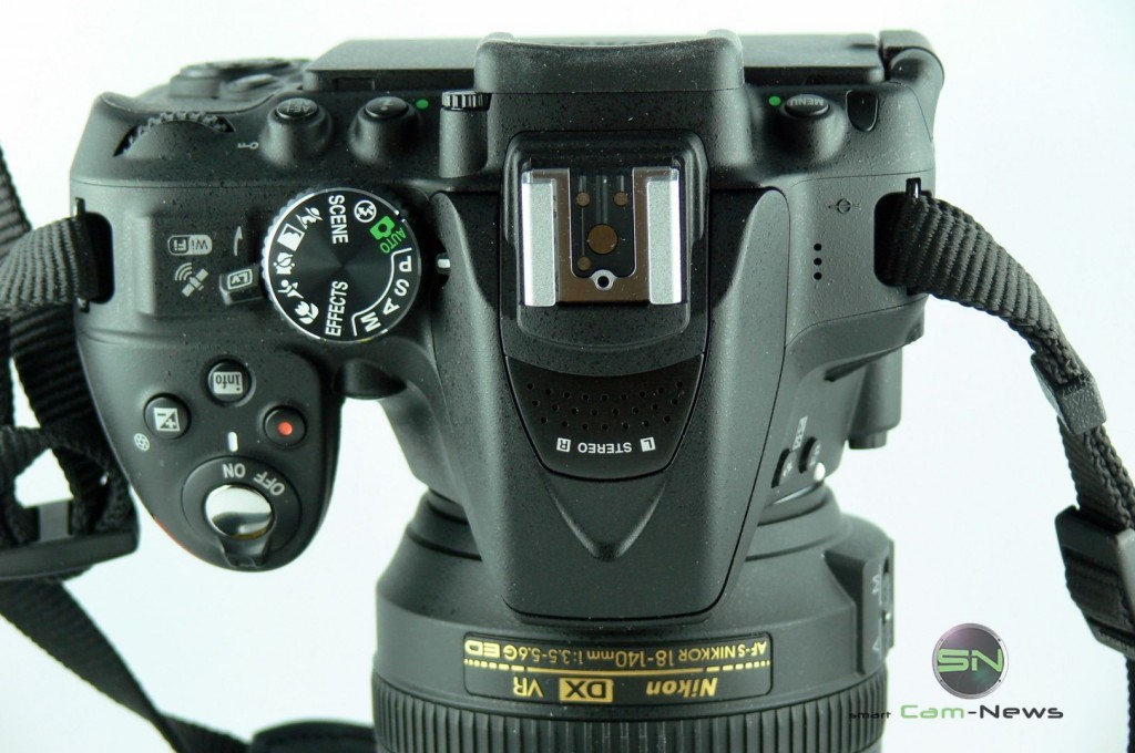 Nikon D5300 - Oberseite mit Blitzschuh - Stereo Mikro - Einstellrad - smartcamnews