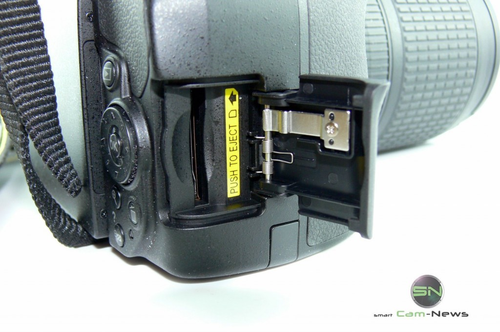 Nikon D5300 - SD Kartenschacht - SmartCamNews