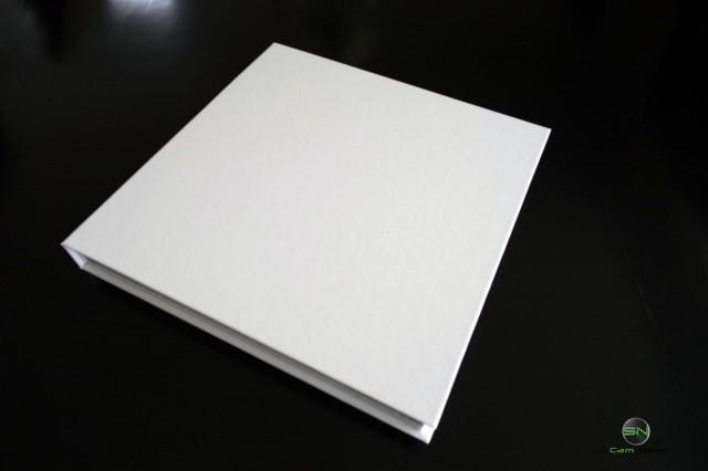 Geschenkverpackung in weiß - Saal Digital Fotobuch - SmartCamNews