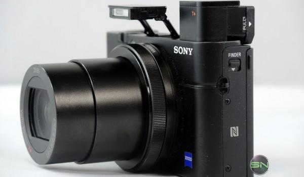 Seitenansicht mit Blitz und Sucher - Sony RX100 mIII - SmartCamNews