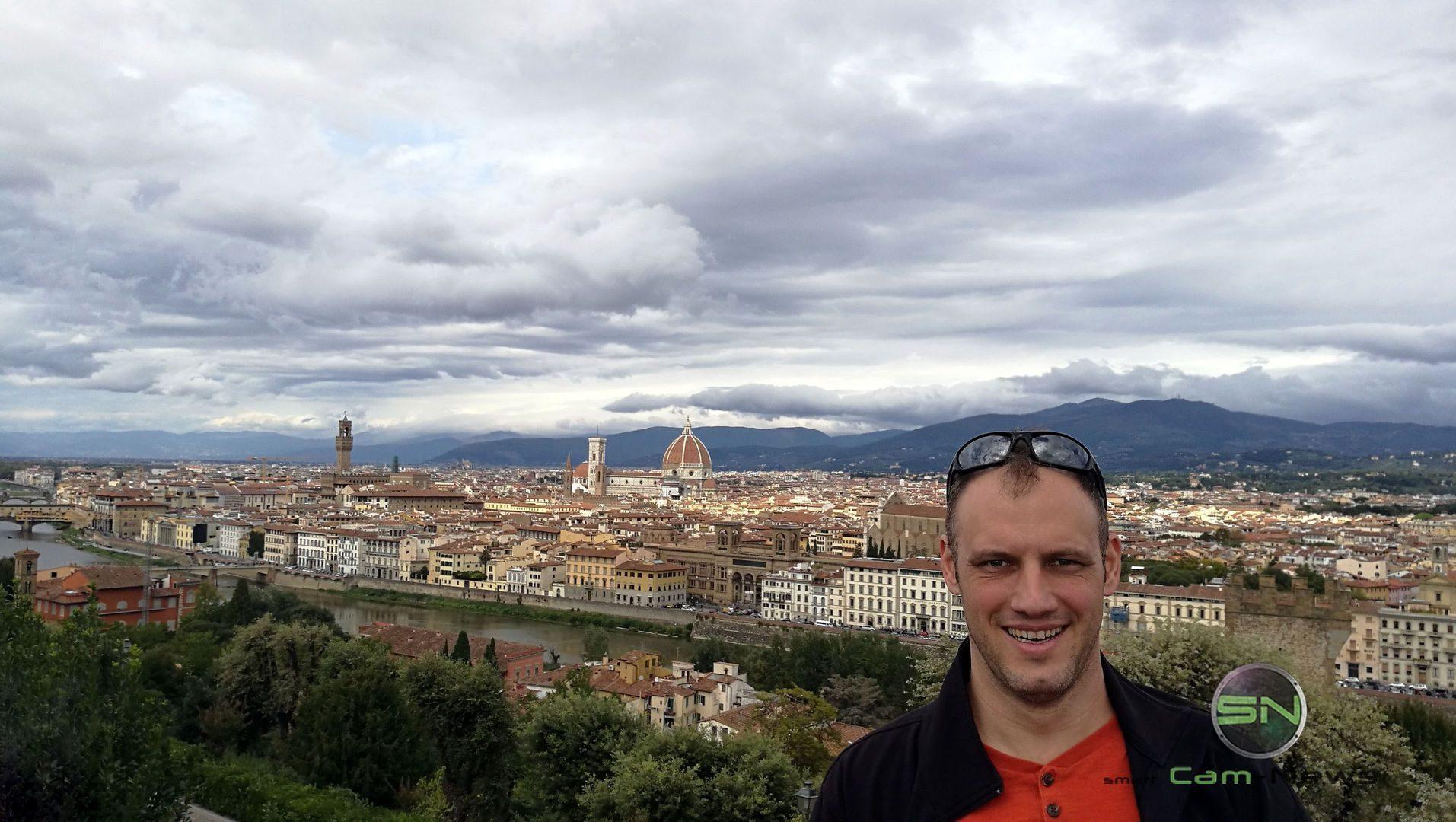 florenz-selfie-nikon-b500-megazoom-bridge-smartcamnews