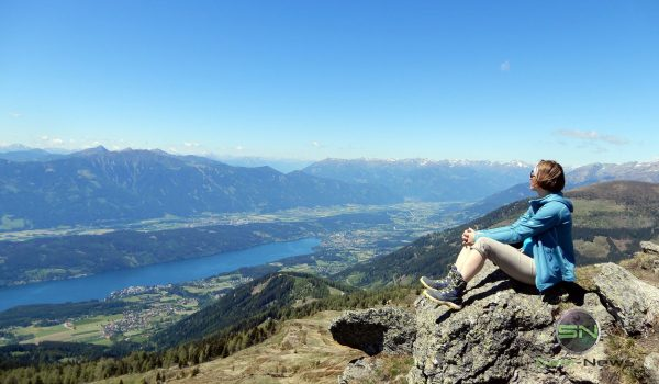 Der Blick ins Tal - Nikon Coolpix A900 MegaZoom 35fach - Kärnten Millsättersee GrantTor - SmartCamNews