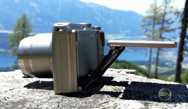 Klappdisplay Position 2 - Nikon Coolpix A900 MegaZoom - Millstättersee - SmartCamNews