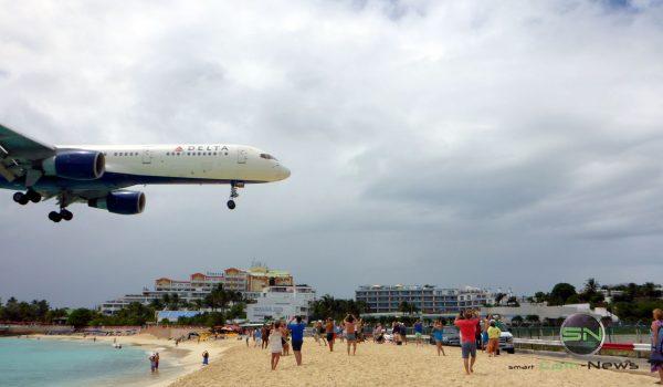 nah dran St Maarten Airbord - Panasonic DCM FT5 - SmartCamNews