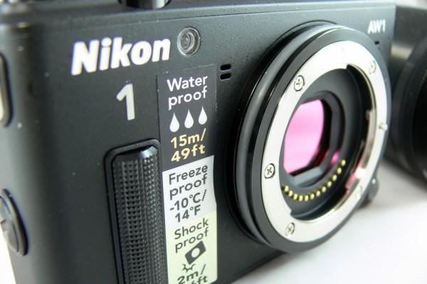 Nikon 1 AW1 – eine Systemkamera taucht ab