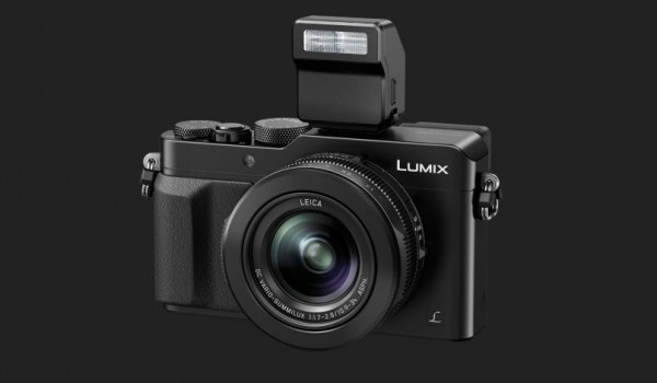 Panasonic LX 100 - mit Aufsteckblitz