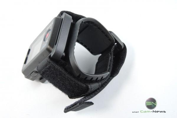 Gummiertes Armband mit Klettverschluss - Sony HDR AZ1 - SmartCamNews