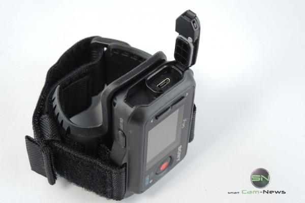 Ladeanschluss - Sony HDR AZ1 - SmartCamNews