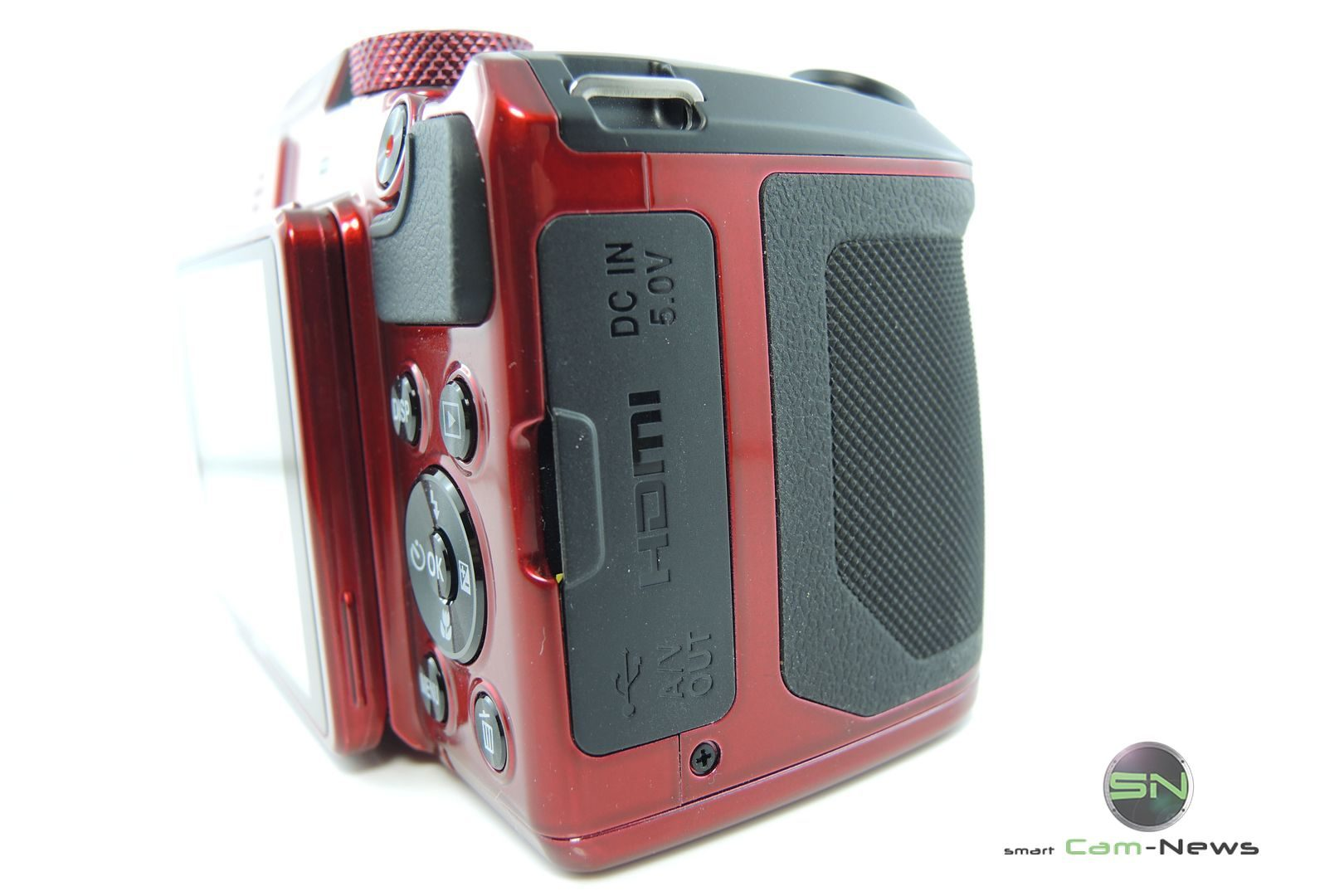 externe-anschluesse-nikon-b500-smartcamnews