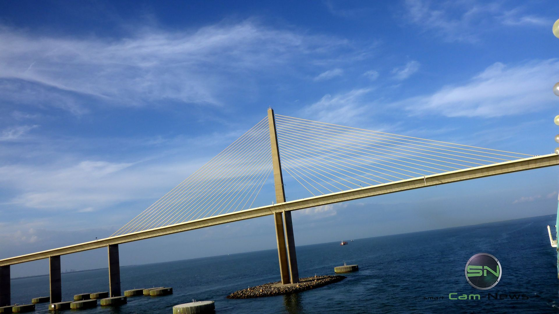 die Brücke - Panasonic FT5 - SmartCamNews
